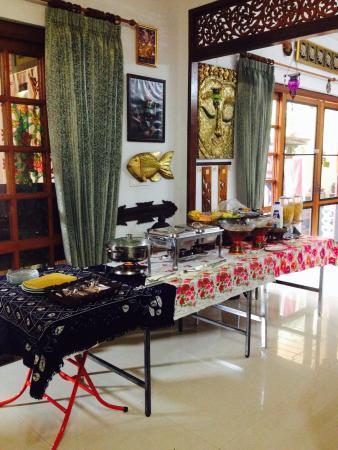 The Nest Hotel: Buffet breakfast