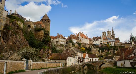Office De Tourisme Semur En Auxois Vue Sur Le Pont Pinard Photo Arnaud Cphoto