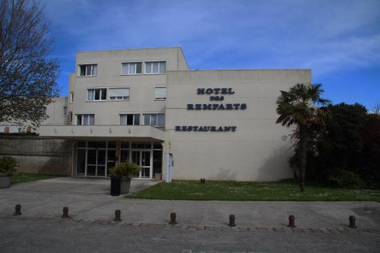 Façade de l'hotel des remparts - rochefort 17
