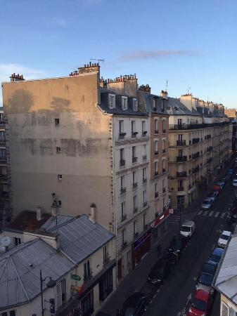 rue legendre picture of art hotel batignolles paris tripadvisor. Black Bedroom Furniture Sets. Home Design Ideas