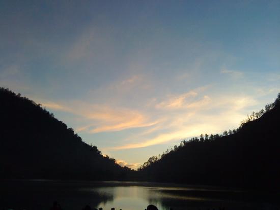Lake Kumbolo: Ranu Kumbolo ketika pagi