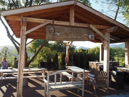 Coulterville, Kalifornia: Grillplatz
