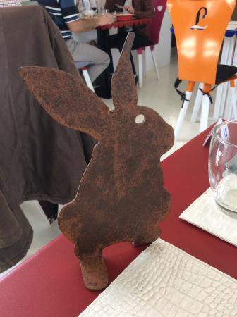 Vulaines, France: Our table decoration, purchased and taken home after the meal!
