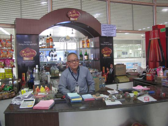 Airport Restaurant: keeping an eye on the going ons for long