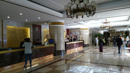 UChoice Hotel Kumming: IMG_20160408_083521_large.jpg