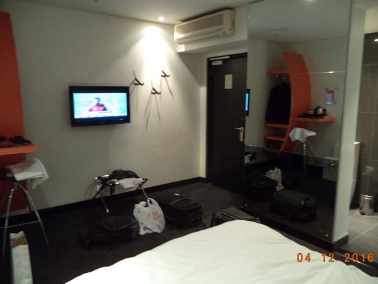 Room 203, Lamunu Hotel, view towards the door
