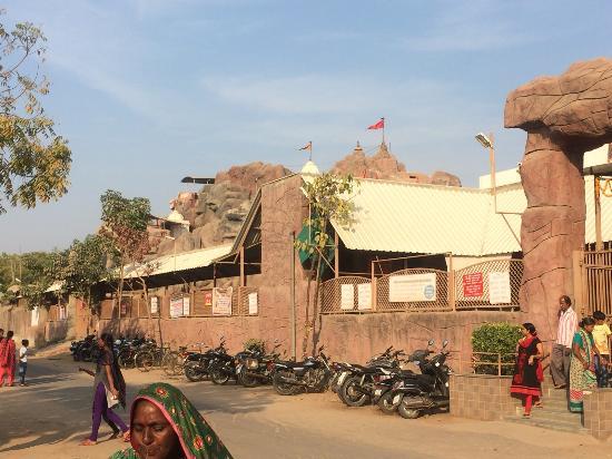 Vaishnodevi Temple: 寺院外観