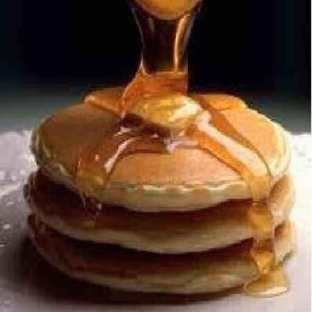 South Deerfield, MA: Try the delicious pancakes with real maple syrup ... Coffee included for $5.75!