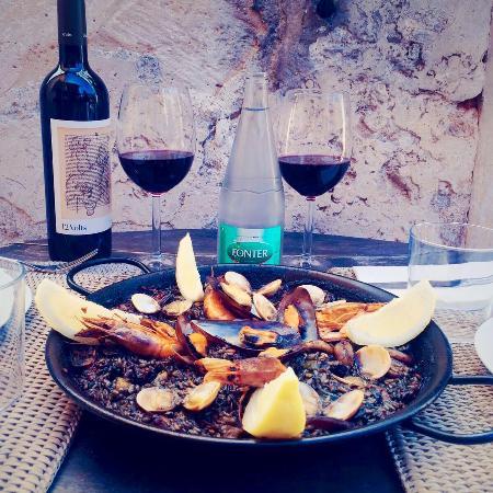 Paella en mallorca picture of cassai ses salines - Cassai ses salines ...