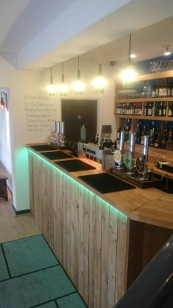 Knutsford, UK: Tap and Bottle