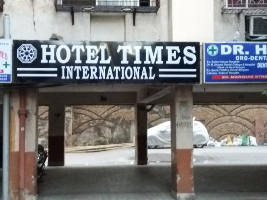 Hotel Times International: Entrance of the building