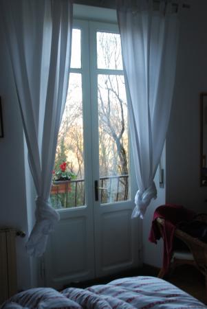 I Ghiri: La Cita Allta à 5 min à pied mais la vue de notre chambre on s'imagine en pleine campagnee