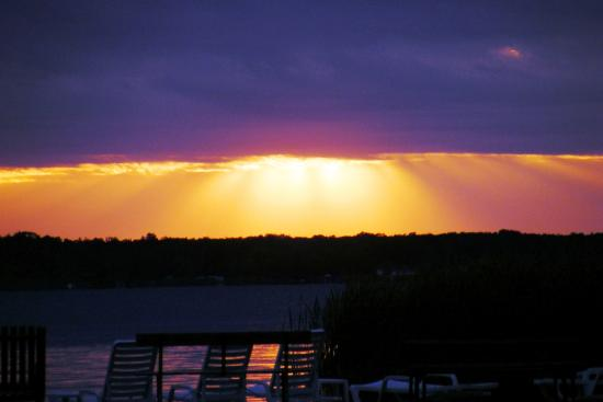 Merrifield, MN: Sunset at Shing Wako Resort Brainerd MN