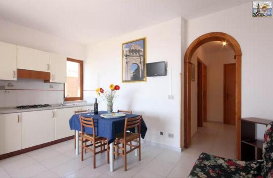 Soggiorno con divano letto - Picture of Residence Capo San Marco ...