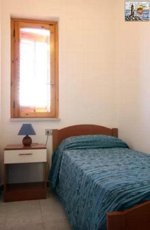 Camera Letto singolo - App. Monolocale - Foto di Residence Capo San ...