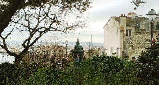 Culturefish! Tours: view of the Eiffel tower from Montmartre