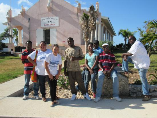 Winter Haven Inn: Group Photo of Hurricane Relief Volunteers at Winter Haven for Lunch