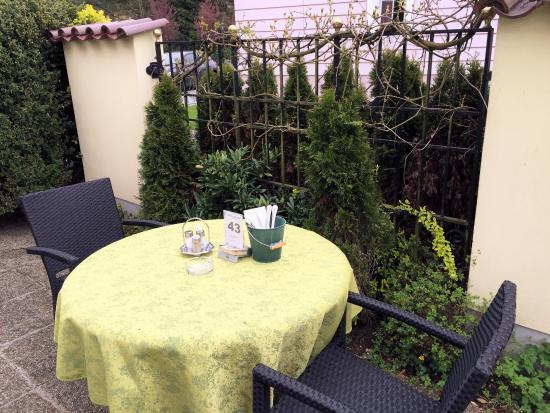Leonding, ออสเตรีย: Gastgarten