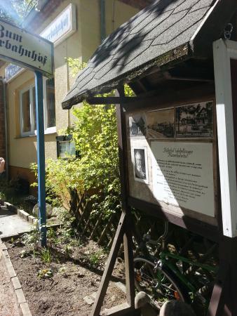 "Joachimsthal, Germany: Eingang zum Restaurant ""Zum Kaiserbahnhof"""