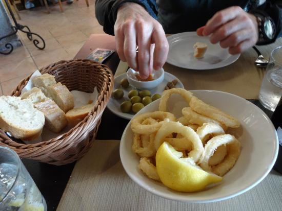Tiberi Restaurant & Bistro: Calamari