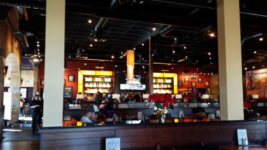 BJ's Restaurant & Brewhouse: Inside the Restaurant