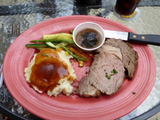 British Open Pub : Rib Roast with Mash and gravy.