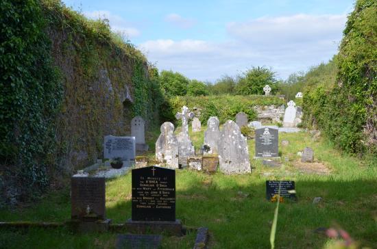 Kenmare, Irlanda: Templenoe veut dire Eglise neuve