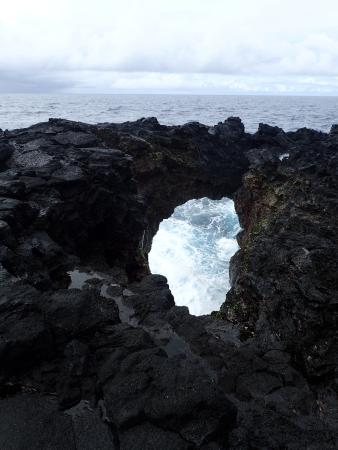 Tutuila, Amerikanisch-Samoa: Mysterious blowhole