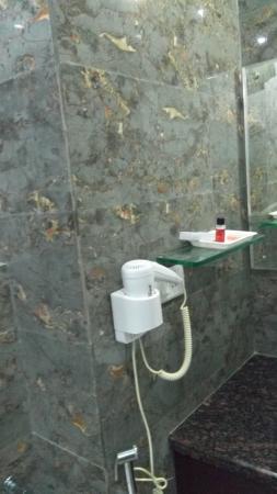 washroom picture of hotel the royal bharti vrindavan tripadvisor rh tripadvisor co uk