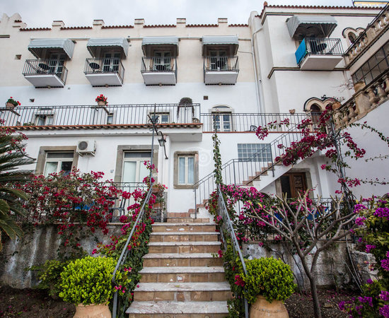 Bel soggiorno hotel updated 2017 reviews price for Boutique hotel taormina