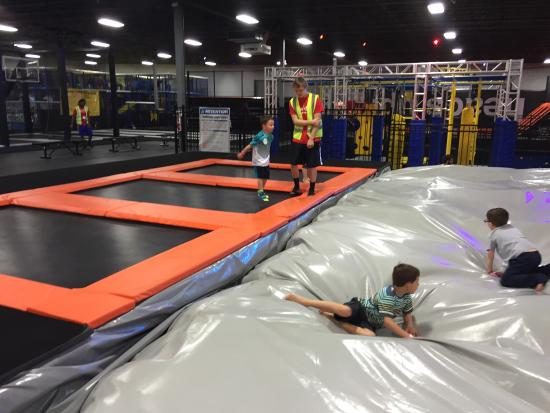 ‪Urban Air Trampoline Park‬