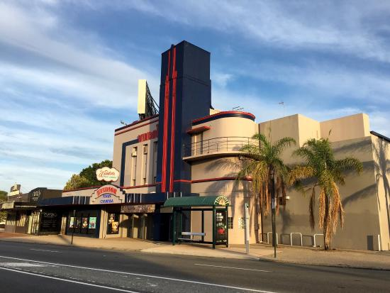Windsor Cinema - Luna Palace Cinemas