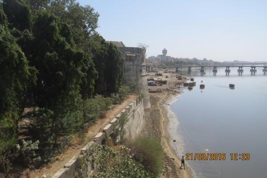 Surat Castle (Old Fort)