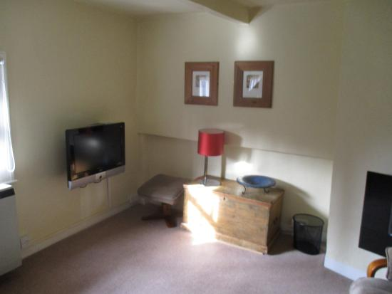 Linden Guest House: top floor apartment; living room - great view  & very quiet