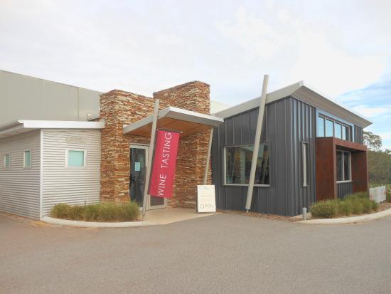 Millendon, Australië: The cellar door