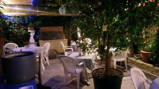 Leonardo Wine Bar