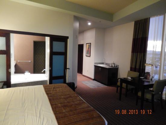 kleine suite met bad picture of eastside cannery casino hotel rh tripadvisor com