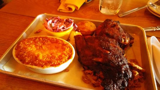 Clarkston, MI: Baby back ribs,pulled pork,smoked chicken...along with the mac n cheese..cole slaw