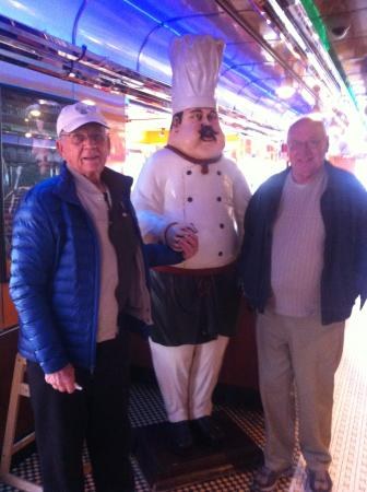 Runnemede, Nueva Jersey: Posing with the Local