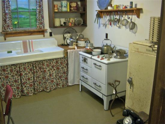 ‪‪Geneseo‬, نيويورك: 1950's kitchen‬