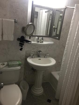 Sherry Frontenac Hotel: photo1.jpg