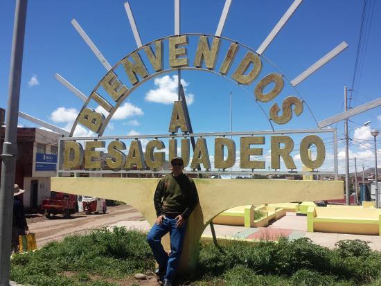 Desaguadero, เปรู: Un bonito lugar para los viajeros que están de paso por la frontera Perú-Bolivia