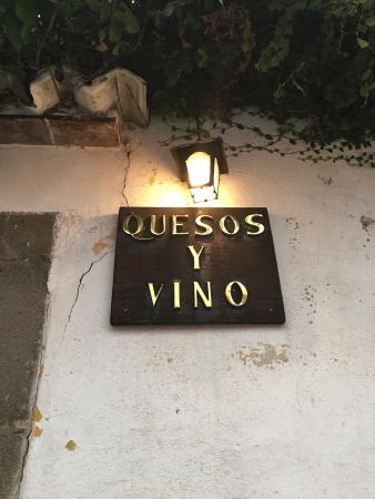 Quesos Y Vino: photo0.jpg