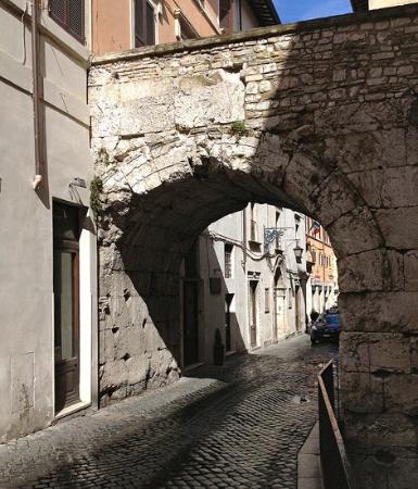 Arco di Druso, Spoleto