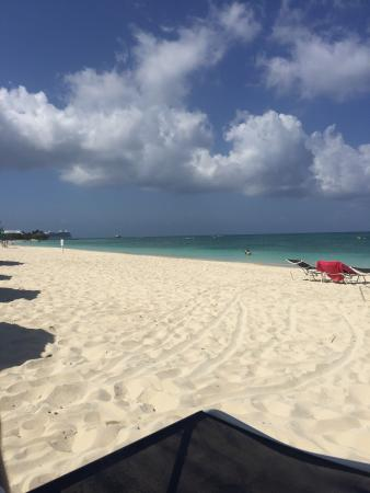 Cayman Reef Resort: Beautiful beach