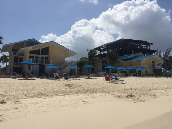 Cayman Reef Resort: Beautiful beach