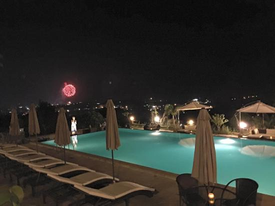 Hotel & Spa Victory Castle Villa: Pool side veiw