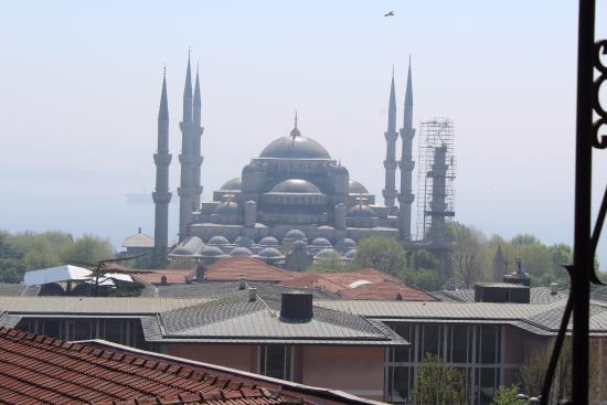 Nena Hotel: view of the blue mosque from the rooftop terrace