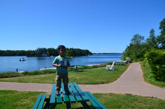 Gananoque, Canada: At Jetty to board the ferry
