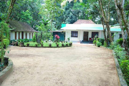 Kuttickattil Gardens Homestay